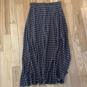 Jersey with short lining and longer maxi skirt
